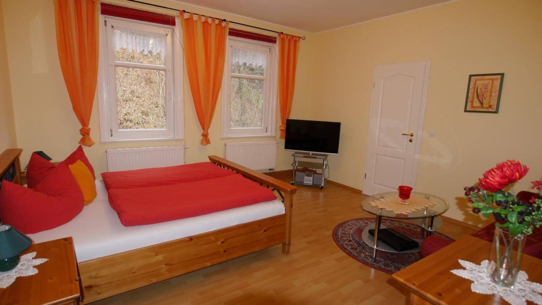Wohn-/Schlafzimmer Ferienwohnung 4 Villa Liliengrund Eisenach